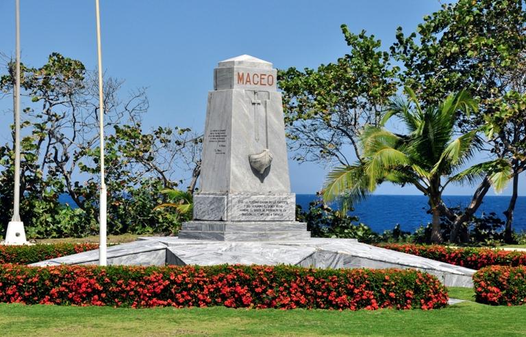 Monumento al desembarco por Duaba.