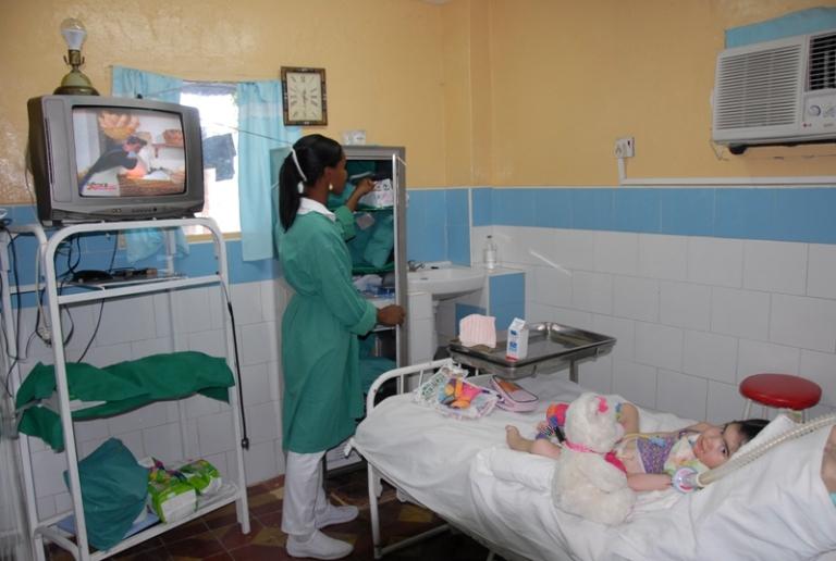 Sala hoareña de cuidados intensivistas en el #1057 de San Lino entre Donato Mármol y Bernabé Varona.
