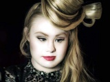Madeline, modelo con síndrome de Down que conquista pasarelas
