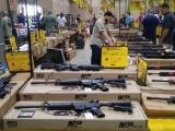 La Florida celebra Feria de Armas tres días después de masacre