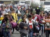Primer grupo de caravana migrante llega a la frontera de Estados Unidos