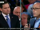 Abuchean a Marcos Rubio en debate sobre armas