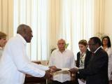 Presentan Cartas Credenciales nuevos embajadores en Cuba