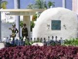 Rindió homenaje Raúl al Héroe Nacional y al Comandante en Jefe
