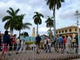 Presidente cubano evalúa programa de desarrollo del turismo y la inversión extranjera