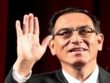 Asume Martín Vizcarra la presidencia de Perú