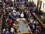 Zimbabue: Mugabe dimite ante la decisión del Parlamento sobre su destitución
